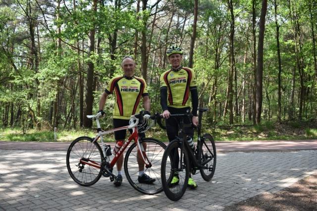 Strahlende Sieger: Gesamtsieger Roger Schröder und Sieger Gruppe B Jürgen Mahr